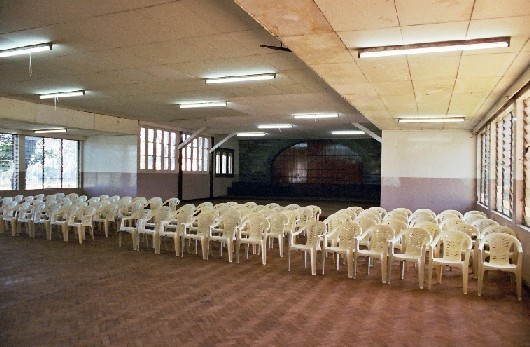 [img]http://www.oldcambrians.com/Photos-NS2003SchoolHallInsideB.jpg[/img]