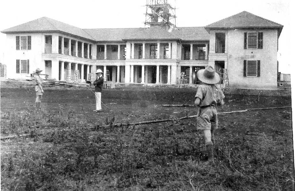 Construction of the new boys' school at Kabete in 1930